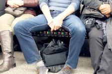 Toplu taşımalarda 'yayılarak oturma'' artık son buluyor