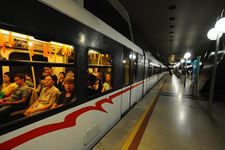 İzmir'de 15 Temmuz'da toplu ulaşım ücretsiz
