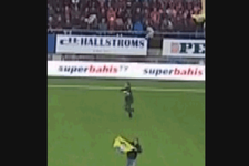 Galatasaray maçında Apo posteri açtılar!