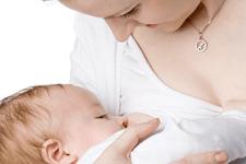 Yeterince anne sütü alamayan çocuklarda kabızlık riski artıyor