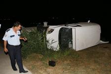 Kaza yapan sürücü aracını terk etti