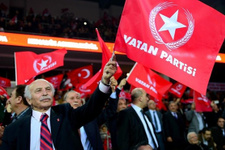 AK Parti'den istifa edip Vatan Partisi'nde geçti ilk iş olarak da...