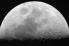 Ay'ın tortularında su olabilir