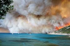 Dünyaca ünlü tatil merkezi yanıyor feci görüntüler var