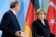Merkel, Erdoğan ve Trump'ı taklit etti!