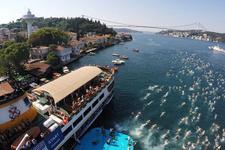 Yüzücüler Boğaz'ın serin sularını bekliyor
