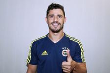 Giuliano resmen Fenerbahçe'de! İmzayı attı