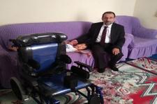 Kars'ta Afgan ailenin çocuğu engelli aracına kavuştu