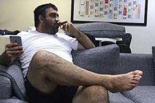 Ümit Özat'ın purolu fotoğrafı olay yarattı