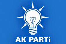Ak Parti'de art arda istifalar iki isim daha bıraktı