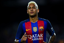Neymar dünyanın en pahalı transferi oldu