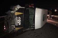 Şanlıurfa'da minibüs devrildi: Çok sayıda yaralı var!