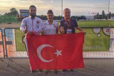 Genç atlet Esra Bayrak Dünya Şampiyonu