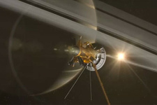Cassini'nin ömrü dolarken 'Titan'a veda öpücüğü