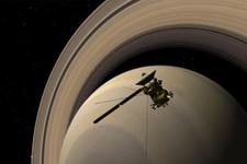 Cassini'nin ölüm dalışı başladı son öpücük kaydedilecek