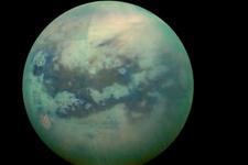 Titan'da hücre zarı oluşturabilecek kimyasal bulundu