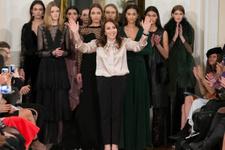 Moda dünyasının gözü Londra'daki bu defilede olacak!