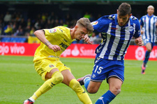Villarreal Deportivo Alaves'i rahat geçti