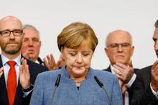Almanya seçim sonuçları Merkel'e meçhul seçmen şoku!
