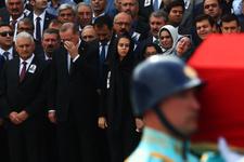 AK Partili vekilin cenaze töreninde şaşırtan HDP detayı