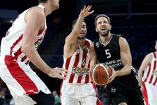 Beşiktaş Sompo Japan Olympiakos'u devirdi