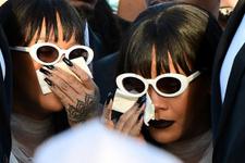 Rihanna'yı yasa boğan ölüm! Hüznü değil kıyafeti olay oldu