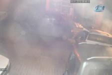 Güvenlik görevlisini bıçakla kovalayan hırsızlar kamerada