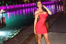 Playboy'a kapak olmuştu! Türk kızı bir ilk peşinde