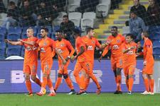 Başakşehir sezonun rekorunu kırdı: Tam 829 pas