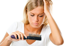 Saç dökülmesinin nedenleri doğru tespit edilmeli