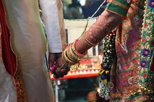 Hindistan'da zorla evlendirilen mühendis için polis devreye girdi