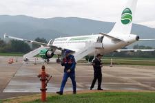 Zonguldak'ta yolcu uçağı pistten çıktı yolcular tahliye edildi