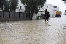 Bodrum'da sağanak yağış hayatı felç etti