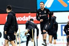 Adriano'dan Beşiktaş'a kötü haber!