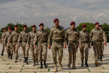 Fox Tv Savaşçı dizisinde Kılıç Timi Atatürk'ün huzurunda!