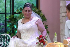 Gelinim Mutfakta'da kaynana Reyhan gelinlik giydi ortalık yıkıldı