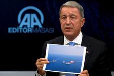 Hulusi Akar'dan Yunanistan'a fotoğraflı uyarı