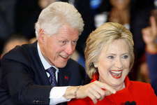 Bill ve Hillary Clinton çiftine suikast girişimi! Evlerinin önünde bomba bulundu