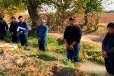 Çiftçileri suda bekleten başbakan yardımcısı görevden alındı