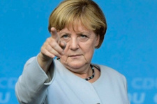 Bırakacağını açıklayan Merkel konuştu