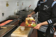 Çinlilere Adana ve Beyti kebabı öğreten Türk aşçı