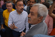 HDP'li vekille polis müdürü arasında gerginlik: Protestomuzu yaparız