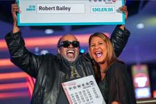 25 yıl aynı sayılara loto oynayan adam sonunda milyoner oldu