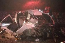 TIR ile otomobil kafa kafaya çarpıştı: 2 ölü, 2 yaralı