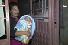 Adana'da korkunç olay cinnet getiren anne bebeğini döve döve öldürdü