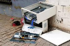 Kaçak elektrik kullanımını önleyen panolara saldırı