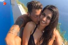 Mesut Özil'den Amine Gülşe'ye: Senden başka sevilecek biri mi var!