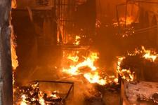 Kerkük'te tarihi çarşıda büyük yangın