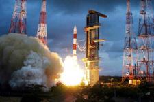 Hindistan uzaya 31 uydu fırlattı