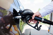 Dolar düştü gözler benzine çevrildi Ne kadar düşecek?